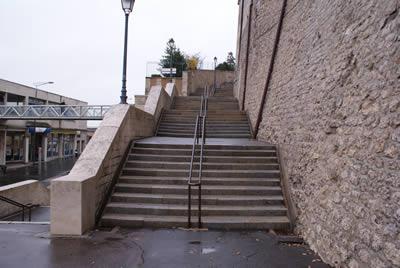 """L'infâme """"Escalier de la gare"""""""