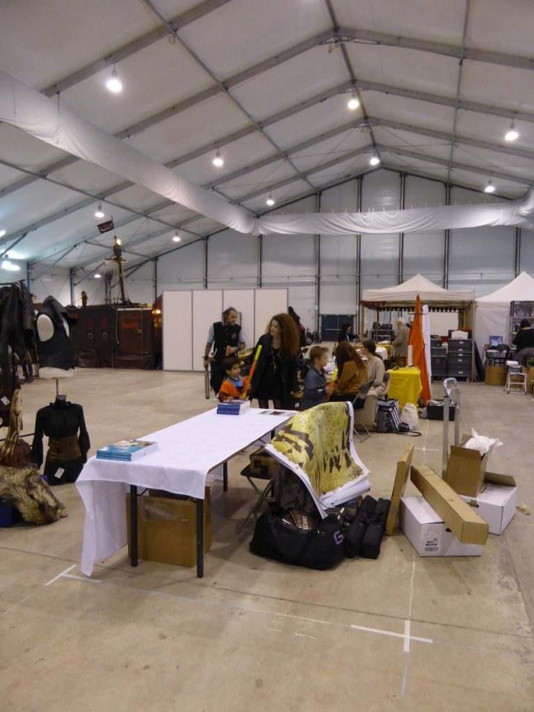 Salon Fantastique Paris 2 - montage stand