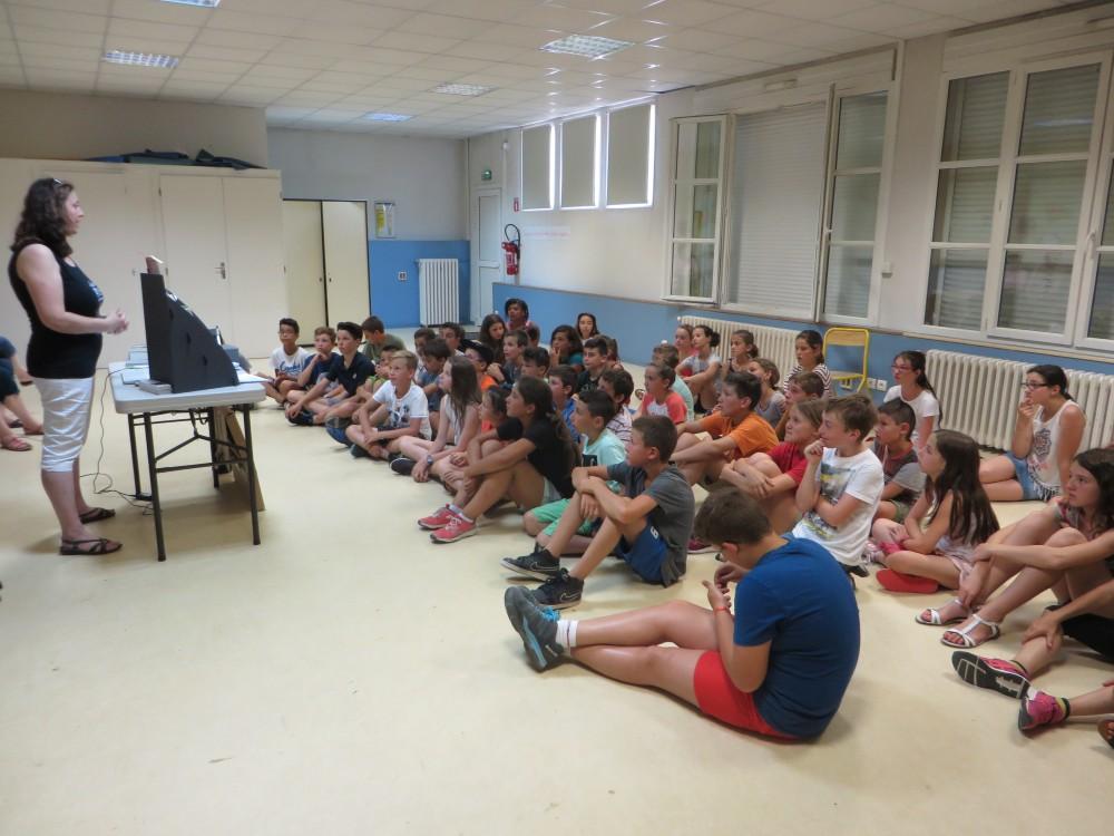 Présentation école Pagnol - Nathalie Bagadey et les élèves